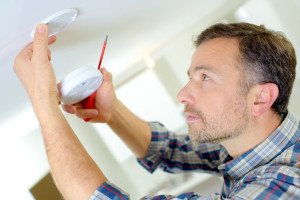 44943884 - installation of a smoke alarm